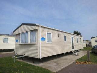 Breydon Water Bure close 10006 stunning caravan., Great Yarmouth