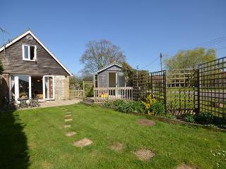 WCOTT Cottage in Wincanton, Oborne