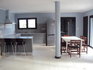 New house for 8 people near the beach, Vila Praia de Ancora
