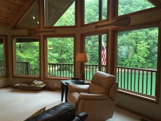 The Perfect Getaway is a Norris Lake vacation cabin with the name that suits it... perfectly!, Jacksboro