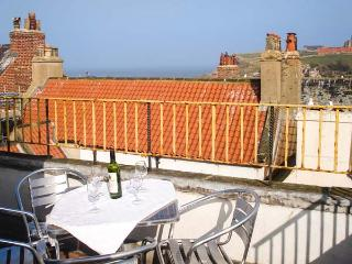 THE CAPTAIN'S HIDEAWAY, pet friendly, character holiday cottage in Whitby, Ref 12116