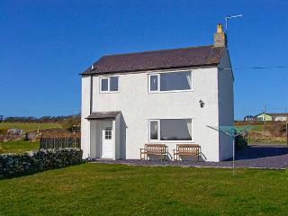 PENTRE IAGO, semi-detached cottage, surrounded by countryside, pet-friendly, in Rhoscolyn, Ref 29307