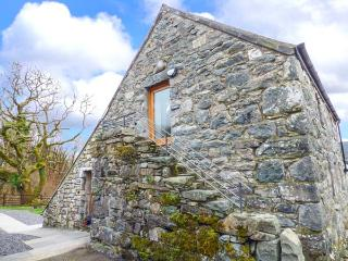 Y DOWLOD, romantic, luxury holiday cottage, with a garden in Trawsfynydd, Ref 41