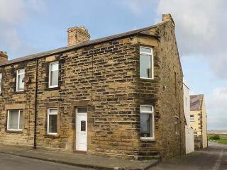 23A GORDON STREET, first floor apartment, pet-friendly, beach 2 mins walk, in Amble, Ref 903662