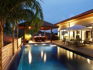 MOONSTONE: 5 Bedroom Private Pool Villa near Beach