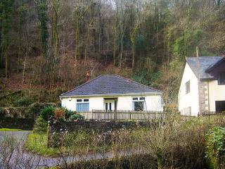 UNDERWOOD BUNGALOW, lawned garden with patio, off road parking, all ground, Tintern