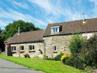 THE GRANARY, family holiday home, three bedrooms, woodburner, shared swimming