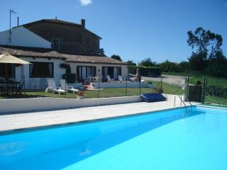 Holiday Home with swimming Pool St Thomas de Conac, Saint Thomas de Conac