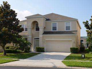 Windsor hills 6 bed pool home with new games room!, Kissimmee