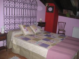 Una de las habitaciones de nuestras estancias, cargada de romanticismo