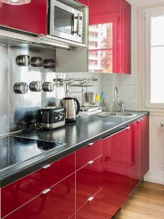 Functional and fully equipped kitchen