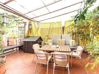 2 Bedrooms + wow! Terrace in Center, Barcelona