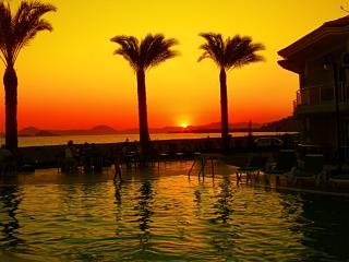 SunsetBeach Club 2BR Apartment 1, Fethiye