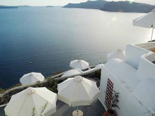 NostosApartments,HolidayStudio, Oia
