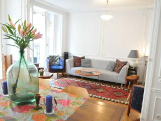 Ile Saint Louis stunning 2 bedroom apartment, París