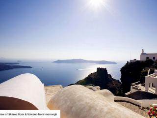 LoizosResidence Superior Suite, Fira