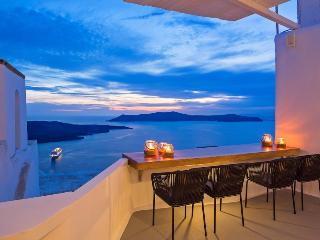 Aroma Suites Standart Double Room, Fira