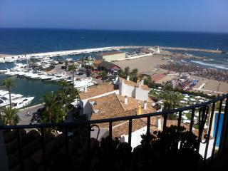 Marbella, Cabopino Port front line to beach