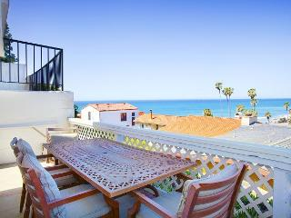 Ocean Front Beach Bungalow - Walk to Beach, Ocean Views, San Clemente
