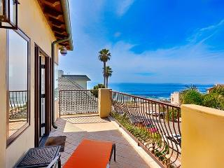 Luxurious La Jolla Penthouse - Ocean Views and Steps to Beach!
