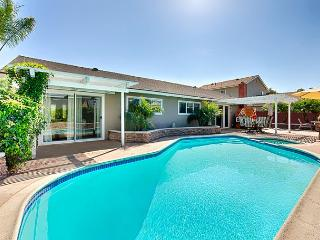 20% OFF OPEN NOV DATES-Private Pool, Hot Tub, Delightful Accommodations, Costa Mesa