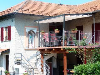 Spacious holiday home with pool, near Barolo