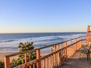 Miles of Beautiful Views in Nelscott!, Lincoln City