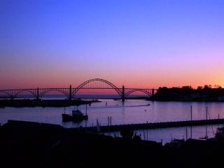 YAQUINA SUNSET - Newport, Embarcadero