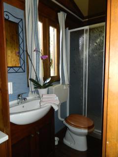 Ciascun Cottage è dotato di bagno con doccia