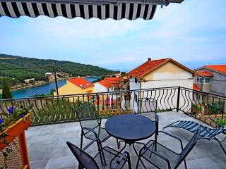BRAND NEW APT - SEA VIEW for 4 persons - A1