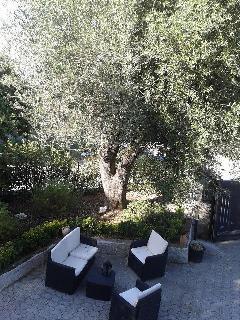 zona relax giardino inferiore App. rosso