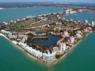 Isla Del Sol, Bahia Del Mar #908, St. Petersburg