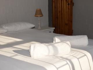 Langebaan Longbeach Self-Catering Cabanas Shekina 3bed sleeps 6 ONLY