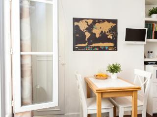 Great Paris Studio by Flatbook, París