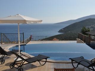3 bedroom dublex apartment with great sea views, Kalkan