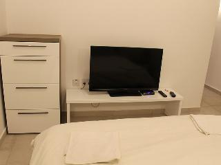 Double Room with A/C & En Suite L2A