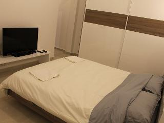 Double Room with A/C & En Suite L1, Sliema