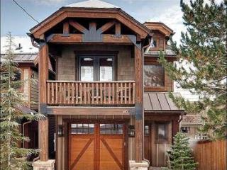 Just a Short Walk to Dining and Shopping - Private Hot Tub (25454), Park City