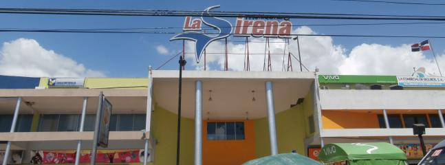 LA SIRENA MALL WALKING DISTANCE