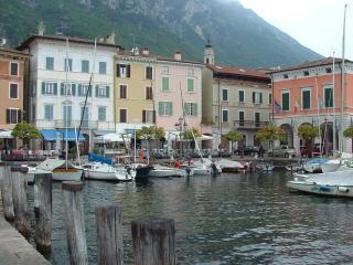 2 passi dal porto, Gargnano