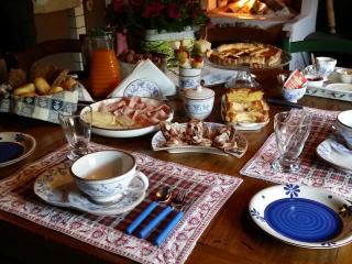 colazione,breakfast, fruhstuck, petit dejuner, desayuno