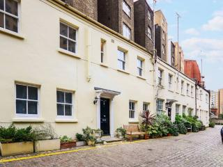 Mews house in the the heart of South Kensington