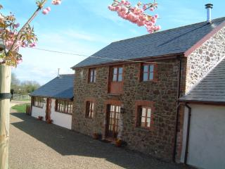 The Hayloft - Villavin Farm Cottages, Holsworthy