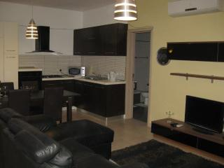 Modern 2 Bedroom Wifi & A/C, St. Paul's Bay