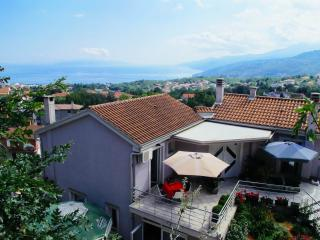 Villa Bellavista - apartment B A2+2 with pool, Opatija