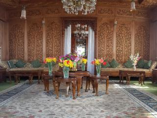 royal heritage houseboats, Srinagar