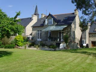 Great holiday home within a short drive from DINAN, Vilde-Guingalan