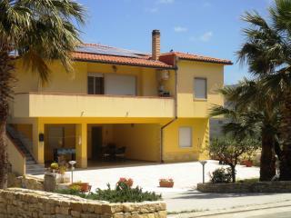 ARBARIA in villa con giardino, Buseto Palizzolo