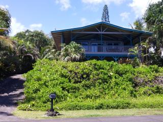 Ocean Front!  Paradise Cliffs Vacation Rental, Pahoa