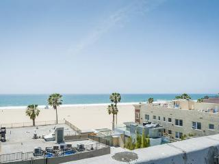 Venice Beach Apartment 55 With Partial Ocean View, Los Ángeles